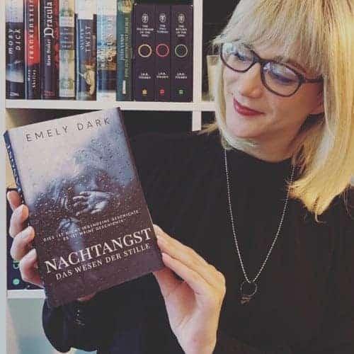 Emely Dark - - Die Autorin bei Indie-Autoren Bücher