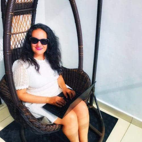 Esther Destratis - - Die Autorin bei Indie-Autoren Bücher