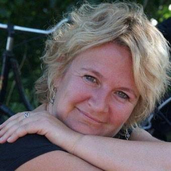 Helena Baum - - Die Autorin bei Indie-Autoren Bücher