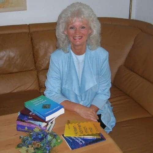 Elana Lorena Liehmar - - Die Autorin bei Indie-Autoren Bücher